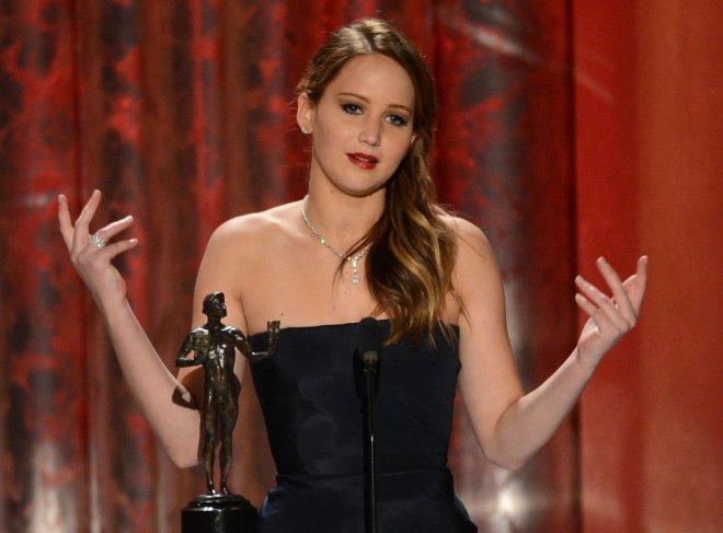 Jennifer-Lawrence-Wins-SAG-Award-2013